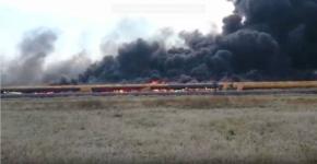 В Павлодаре больше двух часов тушили крупный пожар на теплотрассе