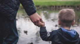 Отец 6 детей лишил экс-жену родительских прав за долги по алиментам
