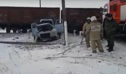 В Щербакты поезд протаранил грузовик