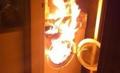Из-за возгорания стиральной машины из многоэтажки в Павлодаре эвакуировались 25 человек