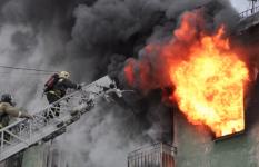 Четыре человека пострадали на пожаре по улице Чокина