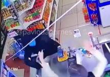В пригороде Павлодара продавец выгнала из магазина вооруженного грабителя