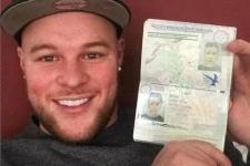 Британец улетел в Германию по паспорту своей подруги