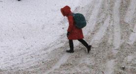 Школьницу из снежного плена спас полицейский в Павлодарской области