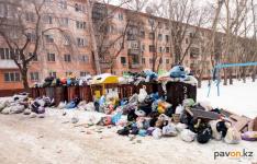 Стало известно, почему в Павлодаре не вывозят мусор из контейнеров
