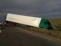 В Прииртышье при лобовом столкновении легковой автомашины и большегруза погиб мужчина