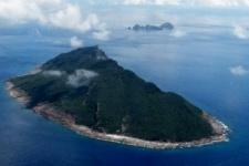 К спорным островам Сенкаку подошли военные корабли