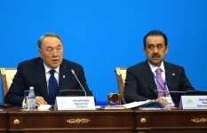 Сделаем глубокий вдох и забудем про доллар - Назарбаев