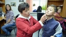 Мужчина избил третьеклассника на территории школы в Караганде