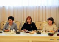 В Павлодаре накануне праздника состоялось чествование женщин, ставших матерями для приемных детей