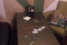 Посетителей кальянной в Павлодаре прятали от проверяющих в подсобке и туалете