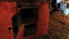 Два человека задохнулись насмерть угарным газом в частном доме