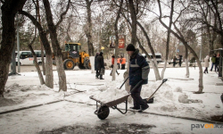 Павлодарские полицейские напоминают бизнесменам о необходимости самостоятельно убирать снег