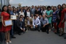Булат Бакауов поздравил журналистов Павлодарской области с профессиональным праздником