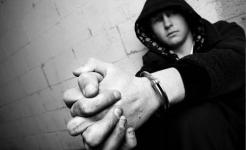 Во все тяжкие: в Павлодарской области подросток, оказавшийся без родительского внимания, стал преступником
