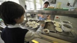 8 детей отравились в школьной столовой в Семее