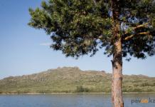 Аким Павлодарской области зовет жителей Тюмени в Баянаул, на соленые озера и в Шалдай