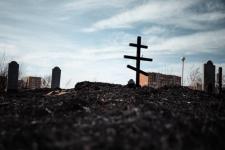 На Пахомовском кладбище в Павлодаре произошел пожар