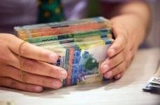 Обменники смогут менять курс валют в выходные и праздники