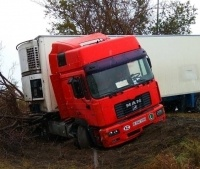 В Павлодаре столкнулись два грузовика