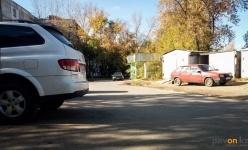 Жительница дома микрорайона Химгородки просит акимат обезопасить школьников от водителей-лихачей