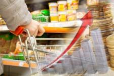 В Павлодарской области будут следить за тем, чтобы вслед за ростом зарплат не повысились цены в магазинах