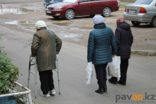 Одиноко проживающие павлодарские пенсионеры могут обратиться за помощью в приобретении продуктов и лекарств на горячую линию