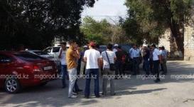 В Актобе массово увольняют нефтяников казахстанско-китайской компании