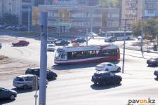 В Павлодаре водителя трамвая зажало между вагонами