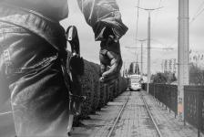 В Павлодаре из пневматического оружия обстреляли трамвай