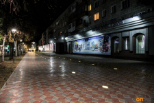 В Павлодаре презентовали светящуюся пешеходную дорожку