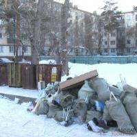 Павлодарцы жалуются, коммунальщики утверждают - все выходные работали