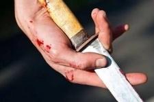 Ранившего ножом полицейского жителя Темиртау осудили на два года колонии