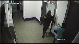 Угрожая ножом, павлодарец вырвал из рук женщины два пакета с продуктами