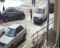 Павлодарец, который ездил без прав и сбил ребенка во дворе, заявил, что виноват в этом гололед