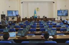 В Павлодарской области на сэкономленные на питании школьников во время дистанционного обучения средства купят две тысячи компьютеров