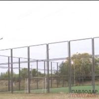 Подрядчика, построившего в Жанауле мини-футбольное поле, на котором погибли двое братьев — не накажут