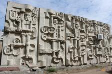В Павлодаре демонтировали барельеф с 47-летней историей