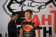 В Павлодаре полицейские и госслужащие выясняли, кто сильнее и выносливее