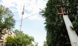 В Павлодаре начали демонтаж бесхозных билбордов