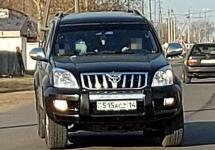 Жителя Кенжеколя оштрафовали за то, что дал покататься ребенку за рулем внедорожника