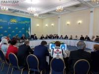 Булат Бакауов обеспокоен дефицитом профессиональных кадров в Павлодарской области