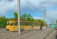 Болт стал предположительной причиной схода трамвая с рельсов в Павлодаре