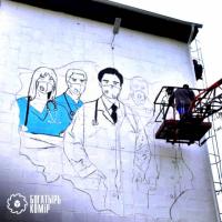 В Экибастузе рисуют стрит-арт, посвященный медработникам Павлодарской области