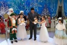 Новогодняя елка от имени акима города Павлодара