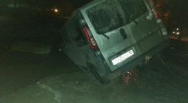 Шесть автомашин провалились под землю в Костанае