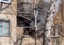 Труп мужчины в горящей квартире обнаружили пожарные в Павлодаре