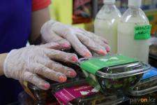 Отсутствие одноразовых перчаток у продавца стало причиной разбирательства инцидента на совете по защите прав предпринимателей Павлодарской области