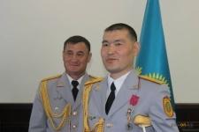 В Павлодаре наградили полицейских, которые спасли автобус с детьми от ДТП