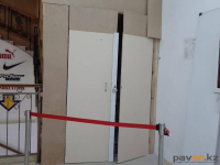 Продавец упал в шахту лифта торгового дома в Павлодаре